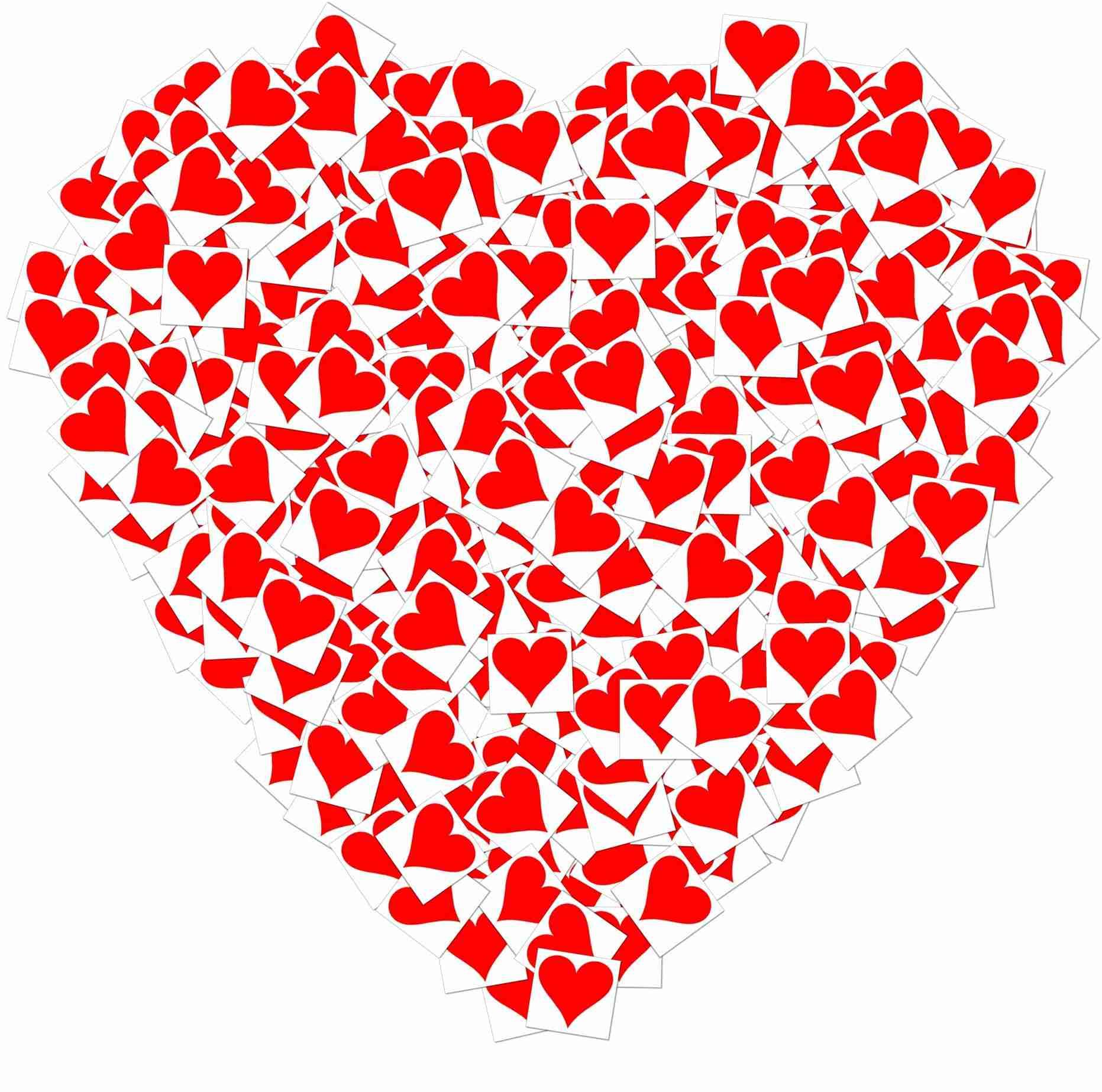 Картинка из маленьких сердечек