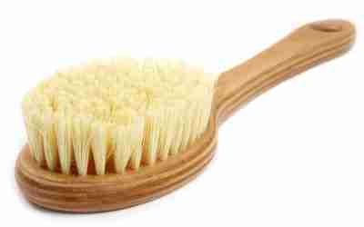 How to Do Dry Skin Brushing